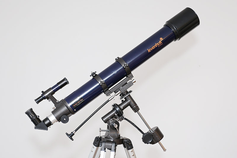 Levenhuk Strike 900 PRO – телескоп-рефрактор на экваториальной монтировке немецкого типа EQ2